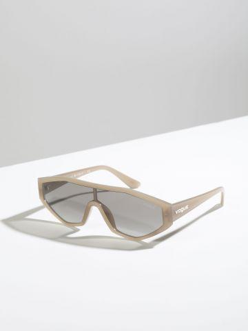 משקפי שמש Visor עם מסגרת פלסטיק Gigi Hadid X