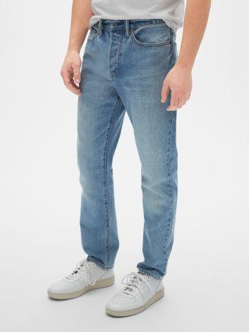 ג'ינס Slim-fit בשטיפה בהירה