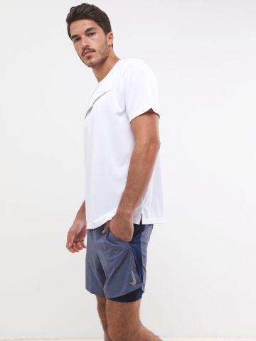 מכנסי ריצה קצרים עם לוגו מחזיר אור