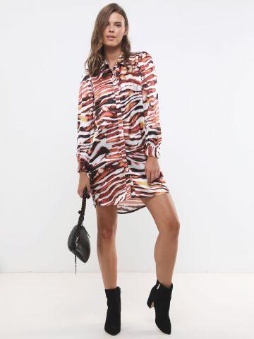 שמלת מיני מכופתרת בהדפס נמר
