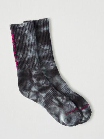 גרביים גבוהים טאי דאי עם הדפס לוגו / גברים