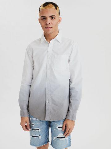 חולצה מכופתרת בסגנון אומברה עם רקמת לוגו / גברים
