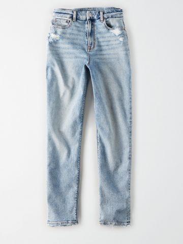ג'ינס Curvy Mom בשטיפה בהירה עם שפשופים / נשים