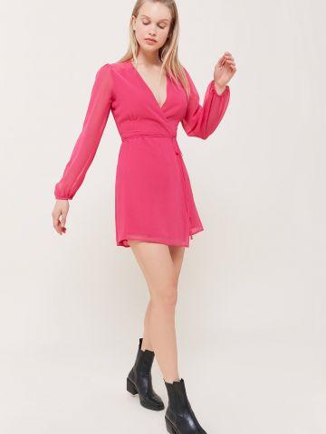 שמלת מיני בסגנון מעטפת UO