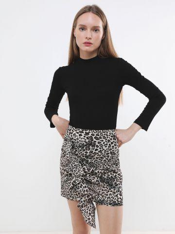 חצאית מיני בהדפס מנומר עם עיטור מלמלה