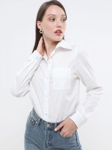 חולצה מכופתרת חלקה עם כיס