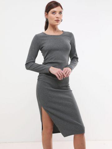 שמלת מידי עם שסע וכיווצים
