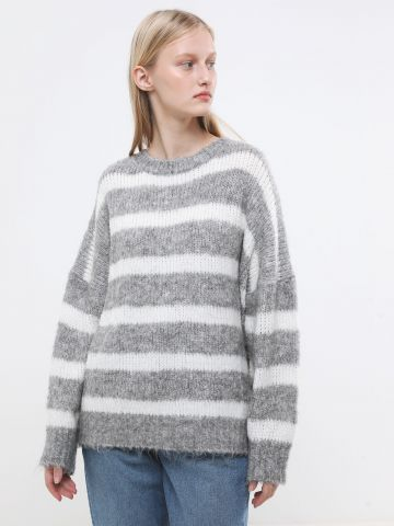 סוודר אוברסייז בדוגמת פסים