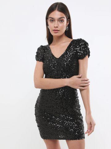שמלת מיני פאייטים עם שרוולים קצרים