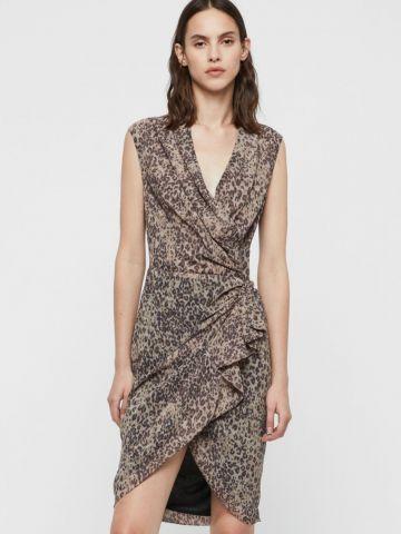 שמלת מיני מעטפת בהדפס מנומר ובעיטור קפלים