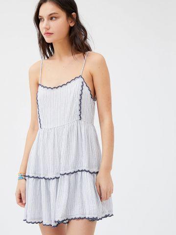 שמלת קומות מיני בהדפס פסים UO