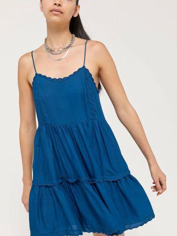 שמלת מיני חלקה בסגנון קומות UO