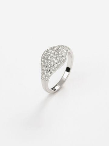 טבעת כסף בשילוב זירקונים