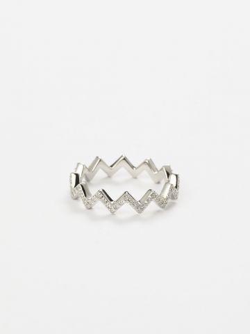 טבעת זיגזג זירקונים