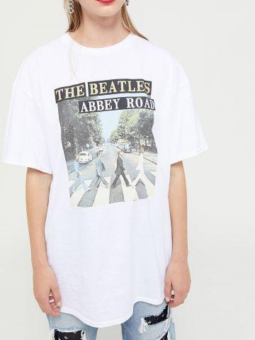 טי שירט אוברסייז עם הדפס Junk Food The Beatles