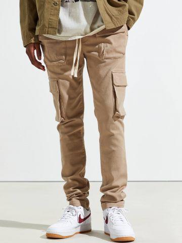 מכנסי סקיני עם כיסים ושרוך UO