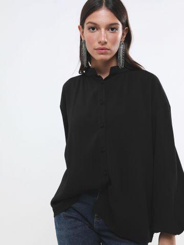 חולצת אוברסייז מכופתרת עם שרוולי בלון