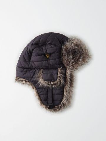 כובע קווילט דמוי פרווה