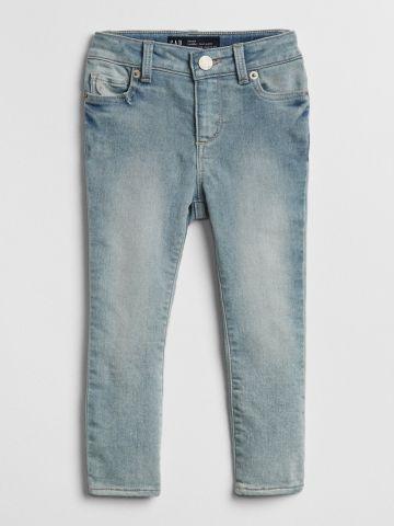 ג'ינס סקיני סטרץ' בשטיפה בהירה / 12M-5Y של GAP