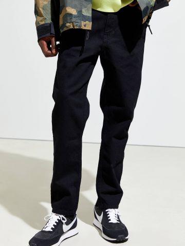 ג'ינס בגזרת Dad ישרה בשטיפה כהה BDG של URBAN OUTFITTERS