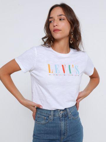 טי שירט עם הדפס לוגו של LEVIS