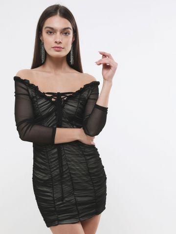 שמלת רשת מיני אוף שולדרס עם כיווצים