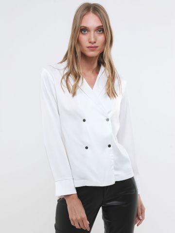 חולצת סאטן מעטפת בלייזר