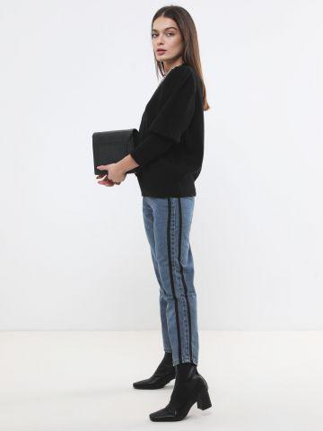 ג'ינס Mom עם פסים בצדדים