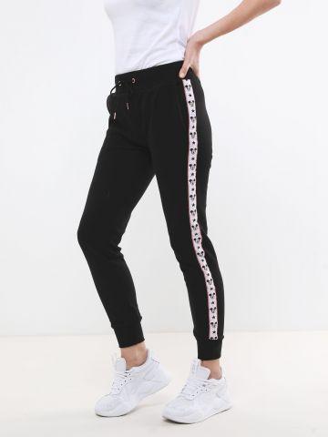 מכנסי טרנינג עם סטריפים דיסני בצדדים