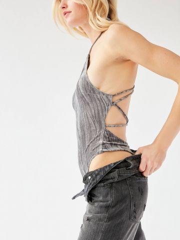 בגד גוף קולר בשילוב קשירה בגב Out From Under