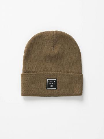 כובע גרב עם פאץ' לוגו