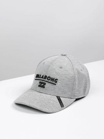 כובע מצחייה עם תבליט לוגו / גברים