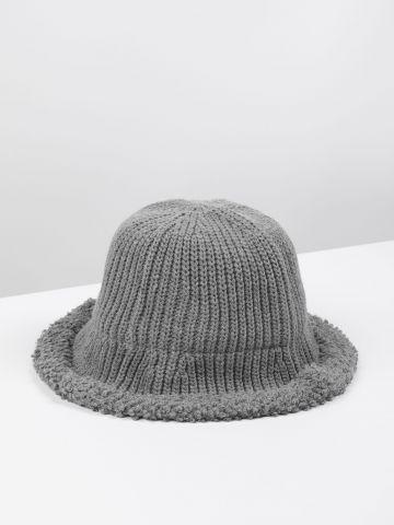 כובע באקט סרוג / נשים