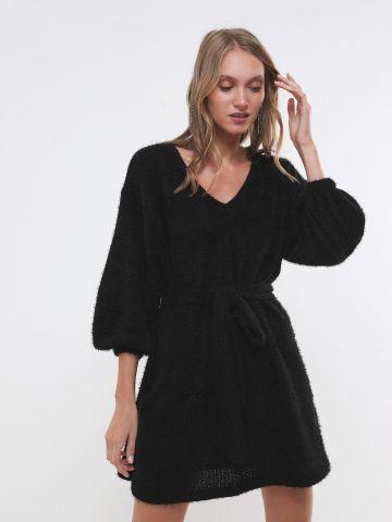 שמלת סריג מיני עם חגורת קשירה