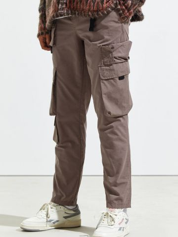 מכנסי דגמ״ח עם חגורה UO