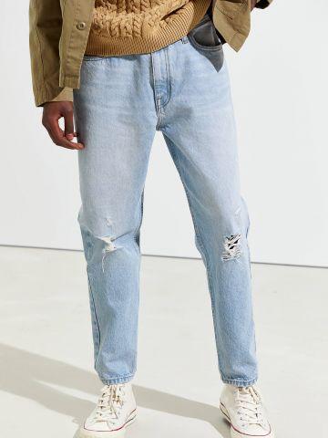 ג'ינס בשטיפה בהירה עם עיטורי קרעים BDG