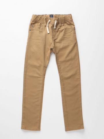 ג'ינס סלים סטרץ' עם גומי במותן / בנים