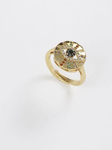 טבעת משובצת בדוגמת עין