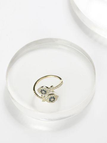 טבעת משובצת בדוגמת דג
