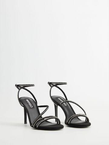 נעלי עקב סטילטו עם רצועות בעיטור אבנים