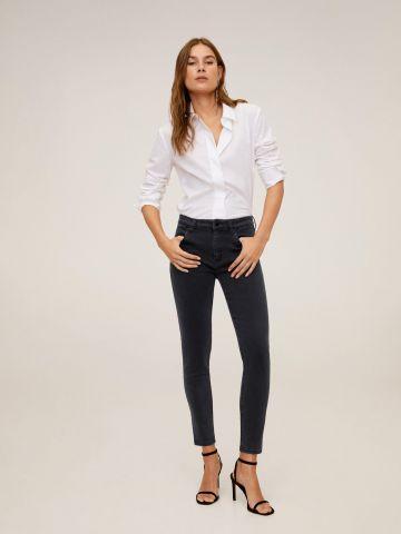 ג'ינס סקיני עם עיטור ניטים