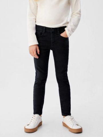 ג'ינס סקיני בגזרה ישרה