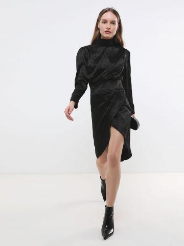 שמלת סאטן מידי עם חצאית מעטפת של TERMINAL X