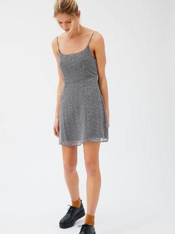 שמלת מיני בהדפס פרחים עם רצועת קשירה בגב UO