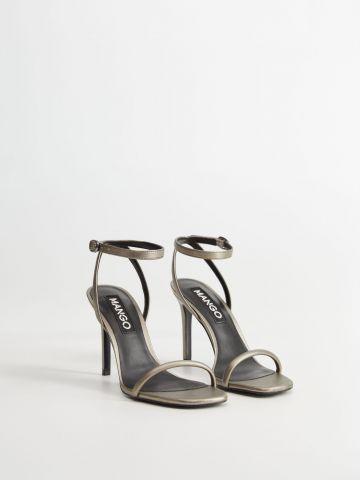 נעלי עקב סטילטו עם רצועה דקה של MANGO