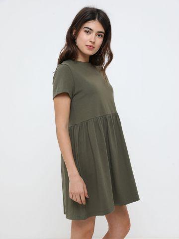 שמלת מיני עם שרוולים קצרים
