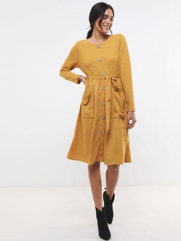 שמלת פפלום מידי ג'קארד עם כפתורים דקורטיביים X ארבל