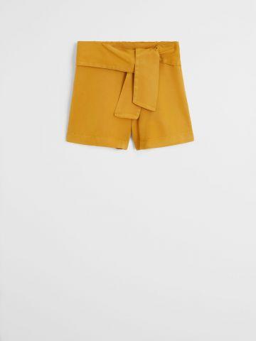 מכנסיים קצרים עם עיטור קשירה / בנות