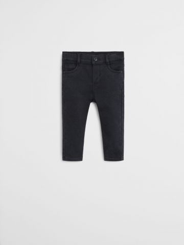 ג'ינס בגזרת סלים / 9M-4Y של MANGO