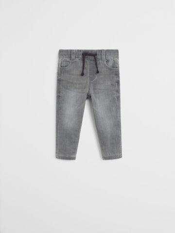 ג'ינס סלים עם גומי מותן / 9M-4Y